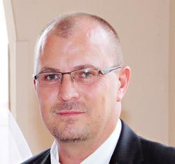 Hercules Theunissen, estate agent