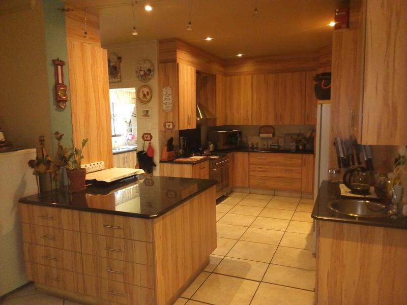 Property For Sale in Waverley, Pretoria 7