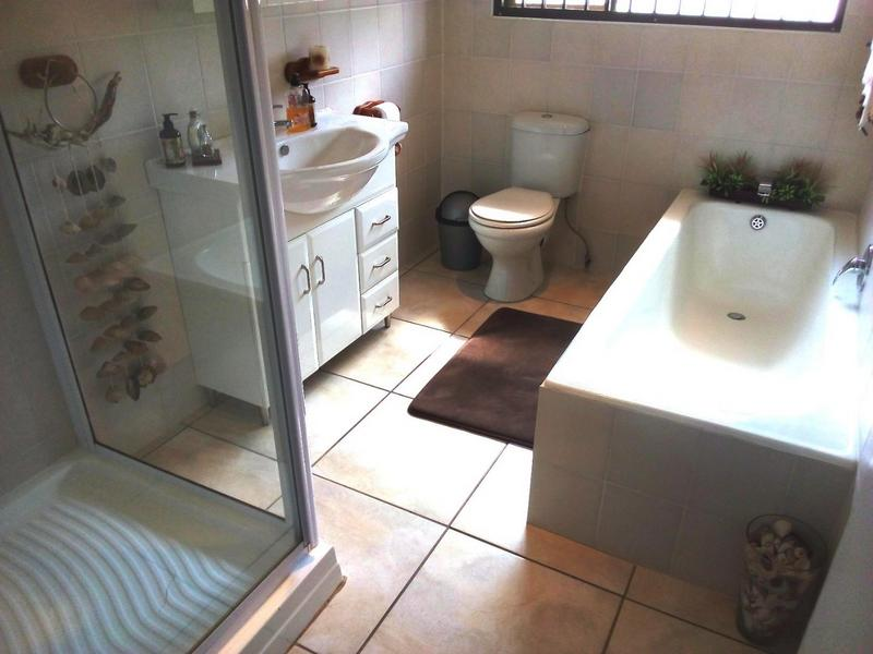Property For Sale in Waverley, Pretoria 17